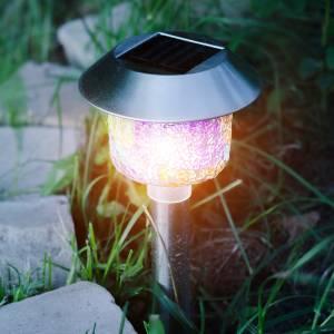 how solar powered light work