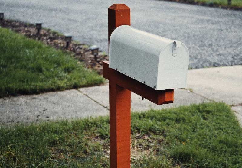 best solar mailbox lights