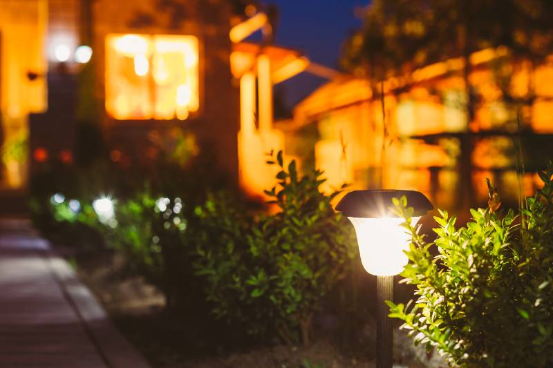 How to fix not working solar lights