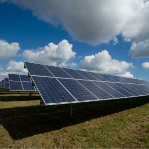 Can Solar Panels Be Charged With Artificial Light?