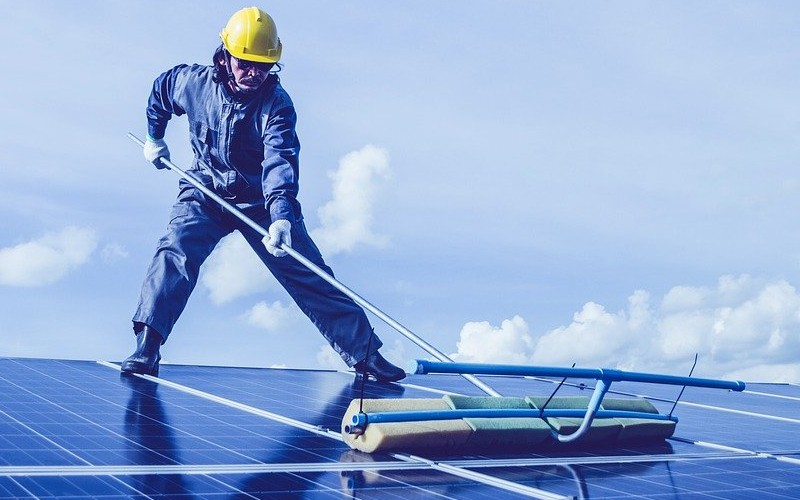 can an electrician install solar panels?